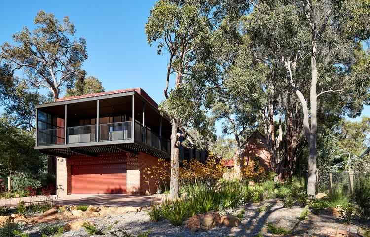 Glen Forrest House + Church / iredale pedersen hook architects, © Peter Bennetts