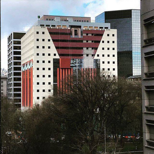 Facade of Michael Graves' Postmodernist Portland Building Dismantled in Preparation for Recladding