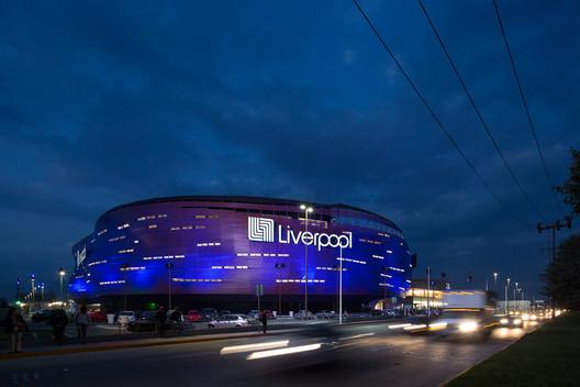 Liverpool Toluca / SPRINGALL+LIRA
