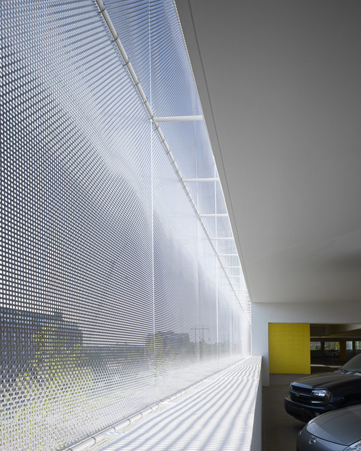 Car Park One / Elliott + Associates Architects. Image © Scott McDonald