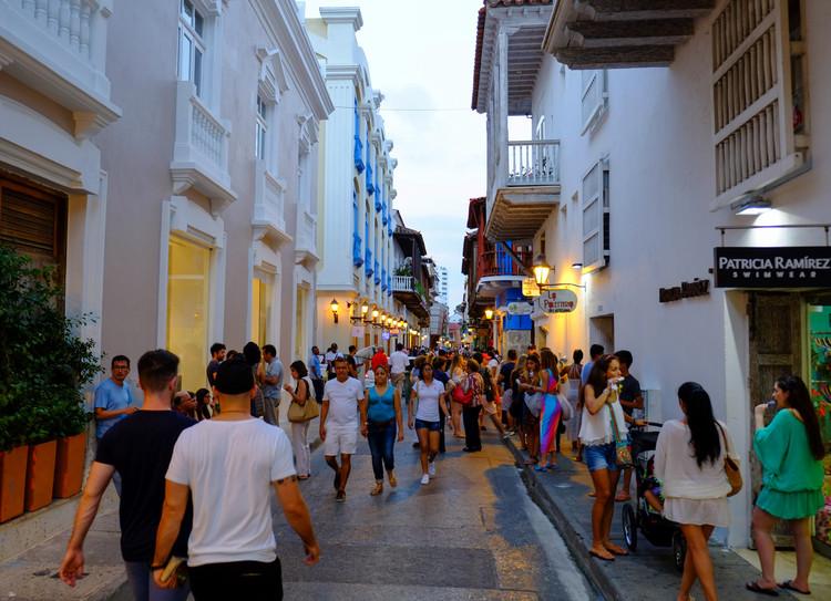 """Cartagena peatonalizará su centro histórico para el """"goce del espacio público"""", Centro histórico de Cartagena de Indias, Colombia. Image © Reg Natarajan [Flickr], bajo licencia CC BY 2.0"""