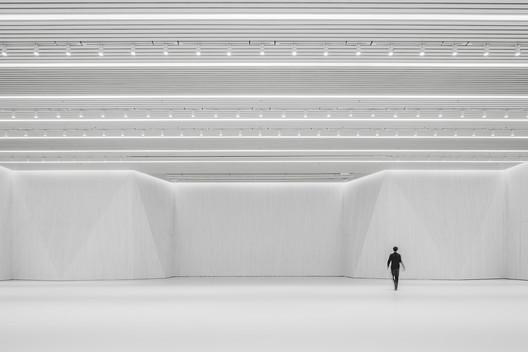 Interior Hall. Image © Weiqi Jin