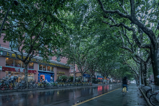 Yueyue bookstore on the Guoquan Road. Image © Qingshan Wu