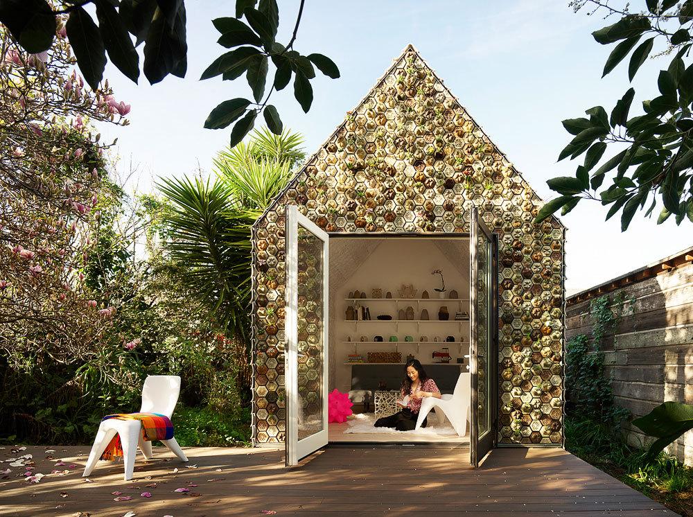 Backyard Cabin Experiments With 3D-Printed Tiles as a Facade Material