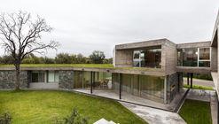 Casa en Los Quebrachos San Luis / CMS arquitectas