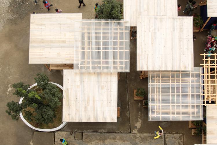 Estudantes projetam e constroem pavilhões para escola em área remota da China, © Jakub Andrzejewski
