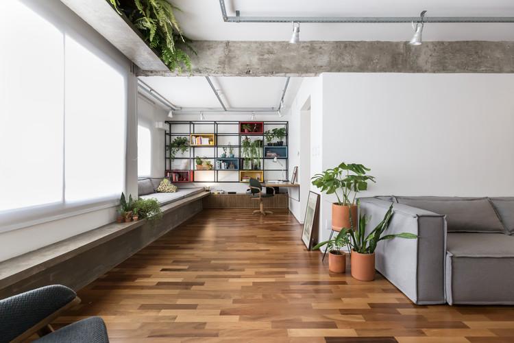 Apartamento POSSAMAI / Sbardelotto Arquitetura + Atelier Aberto Arquitetura, © Marcelo Donadussi