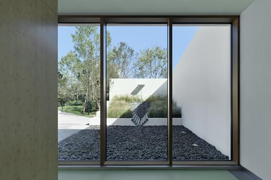 Fin de la sala de exposiciones noroeste. Imagen © Zhi Xia