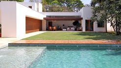 Miralta House / Vasco Lopes Arquitetura