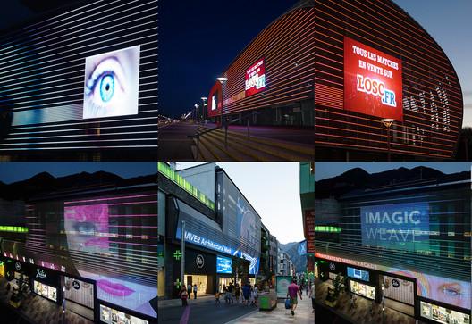 Stade Pierre Mauroy / Valode & Pistre, Pierre Ferret and Media Façade Júlia Center / OROBITG – Arquitectura & Urbanisme. Image Courtesy of HAVER & BOECKER