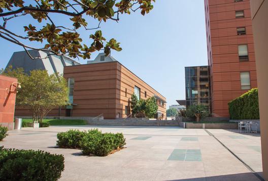 Colburn School Campus. Image © Philip Pirolo