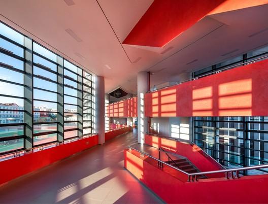 Interior corridor. Image © arch-exist