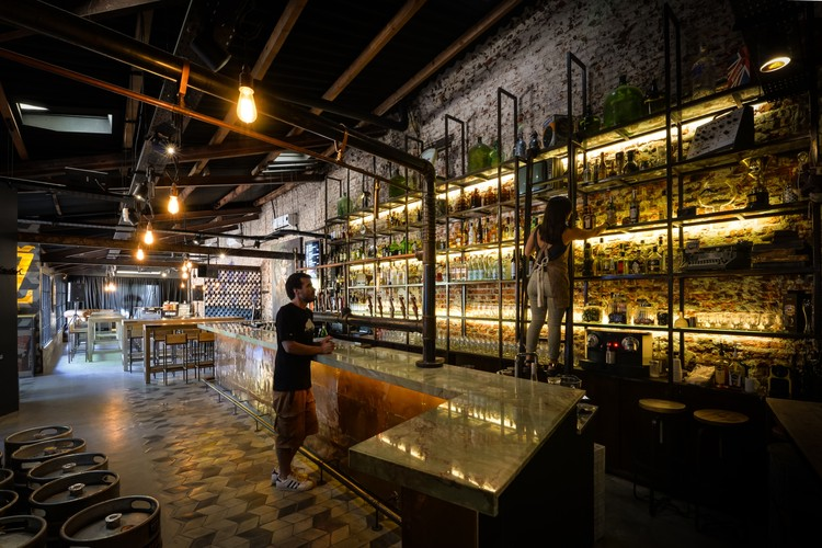 Bar Vasilly Zatec / Octava Arquitectura, © Gonzalo Viramonte