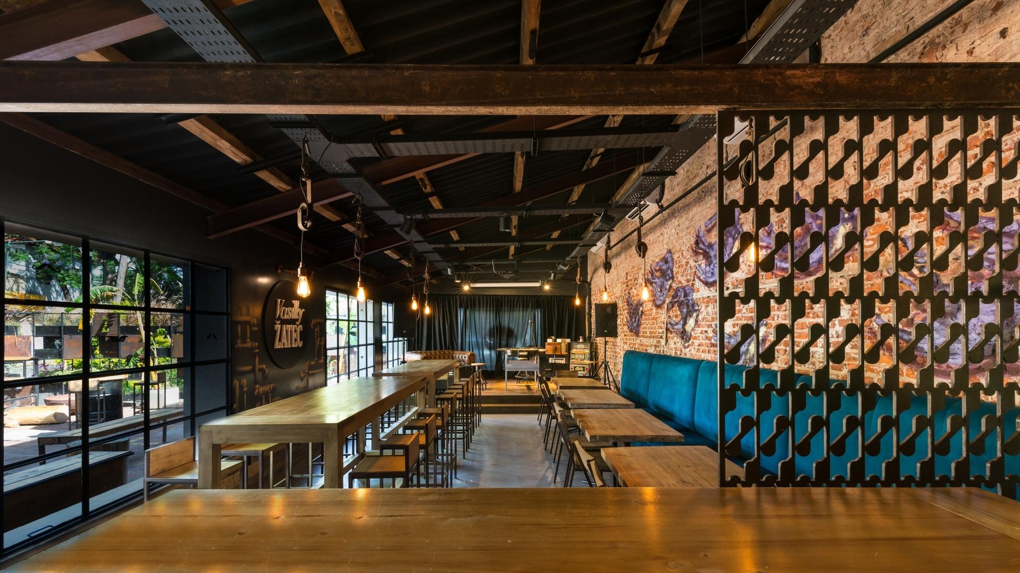 Galer A De Bar Vasilly Zatec Octava Arquitectura 4