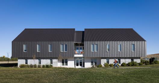 Eagle Ridge Student Housing / BVH Architecture