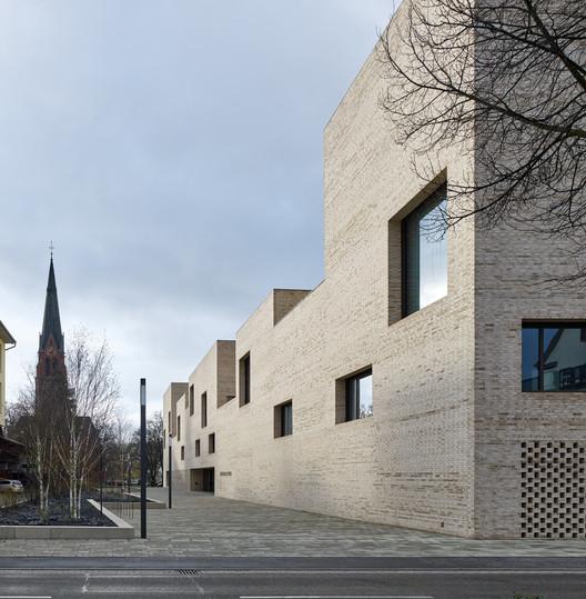 Biblioteca de la ciudad de Heidenheim / Max Dudler