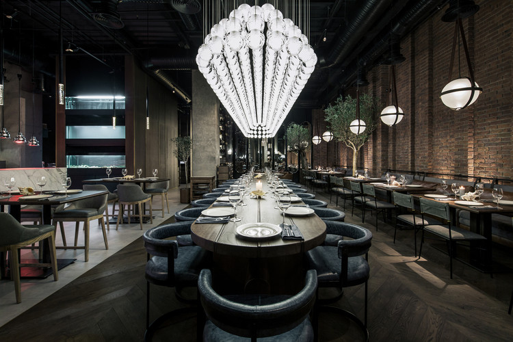 Fish Restaurant CATCH / YoDezeen studio, © Andrii Shurpenkov