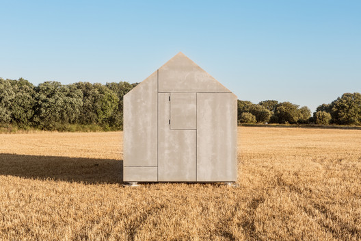<a href='https://www.archdaily.com/420623/portable-house-aph80-abaton-arquitectura'>Portable House ÁPH80 / Ábaton Arquitectura</a>. Image © Juan Baraja