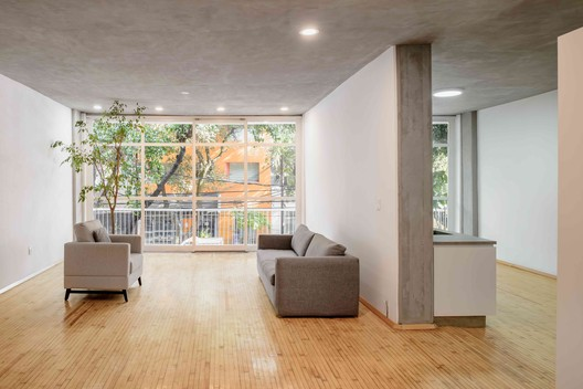 Vicente Suarez 123 / Gemeinde – Estudio de Arquitectura