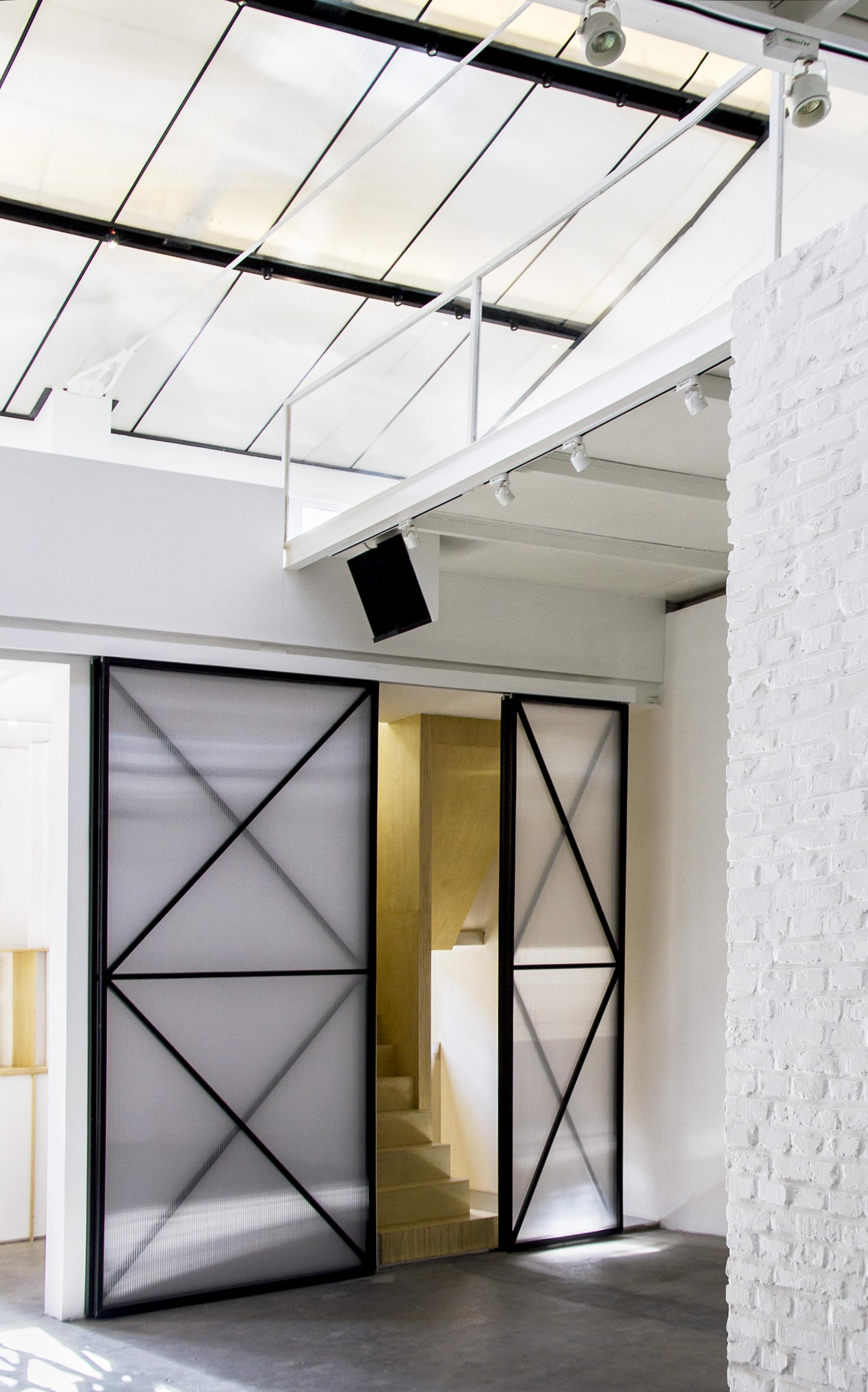 BRIC Art Space / maison h | ArchDaily
