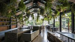 ƯU ĐÀM Vegetarian Restaurant  / Le House