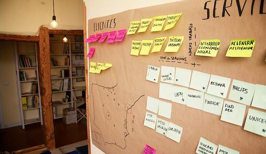 Fragmento de la oficina de Paisaje Transversal en España. Image © Paisaje Transversal