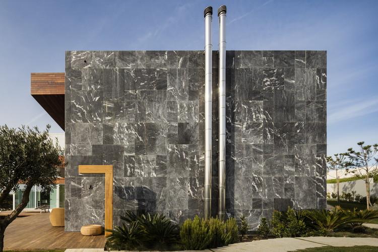 Praia da Torre / SQ+ Arquitetos Associados, © Fernando Guerra | FG+SG