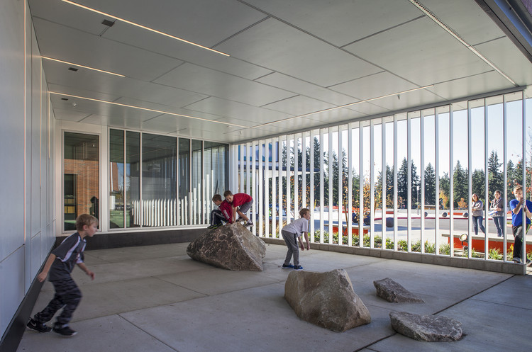 Lake Wilderness Elementary School / TCF Architecture, © Pete Eckert