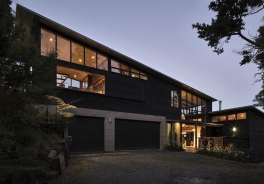 Whare Koa House / Strachan Group Architects