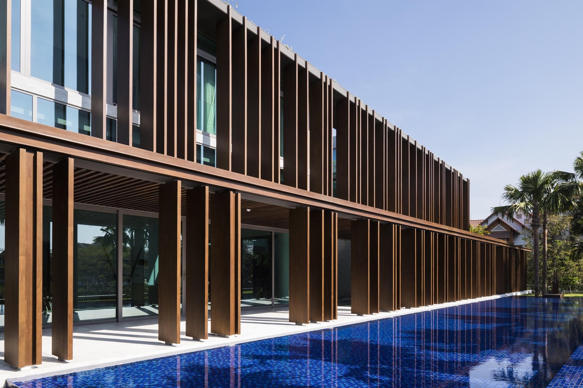 Gallery of Louvers House / MIA Design Studio - 3