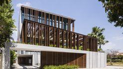 Louvers House / MIA Design Studio