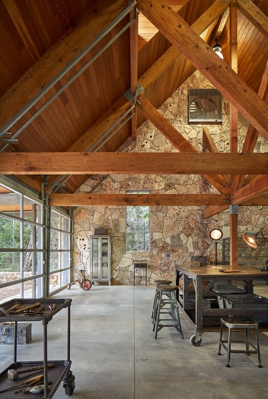 Barn at Critter Creek / Furman + Keil Architects, © Dror Baldinger