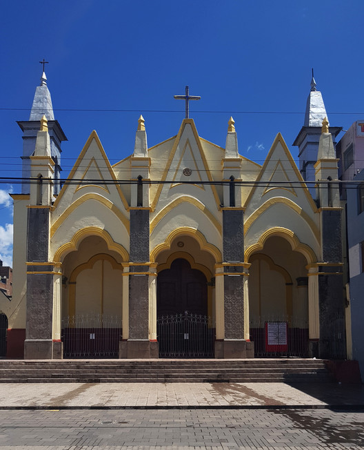 Iglesia de San Juan Bautista. Image © Nicolás Valencia