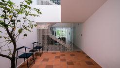ZAKK and MB'S House / Sawadeesign