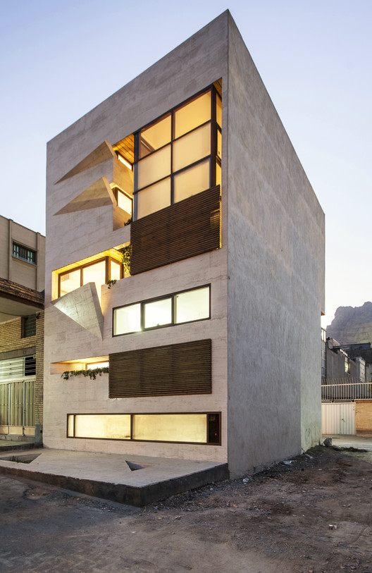 Small House Masih Fazile Archdaily