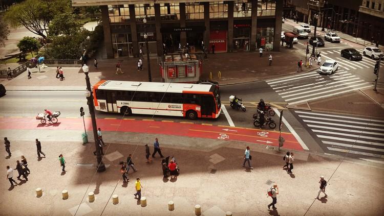 Morar perto de praças e ciclovias pode influenciar na prática da caminhada no tempo de lazer?, © Cidade Ativa