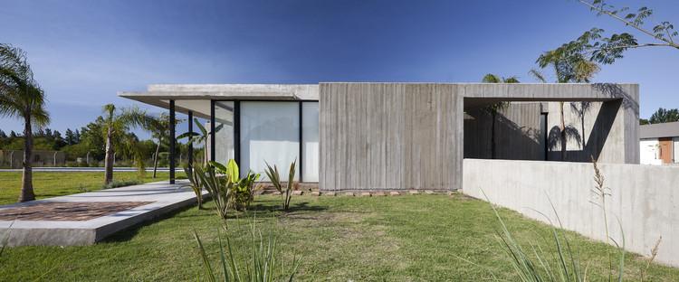 Residência Fechada / Felipe Gonzalez Arzac arquitecto, © Javier Agustin Rojas