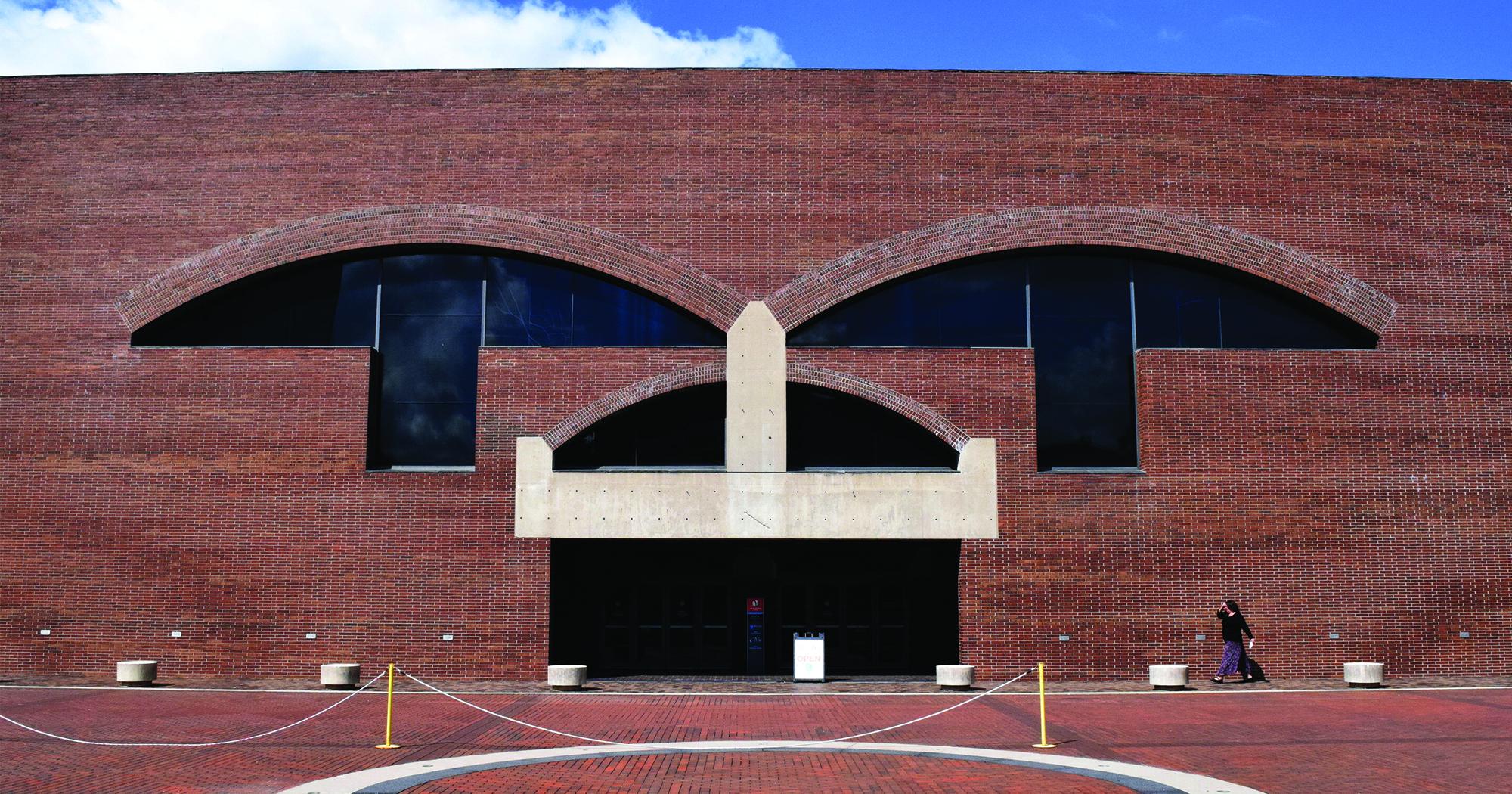 AD Classics: Arts United Center / Louis Kahn