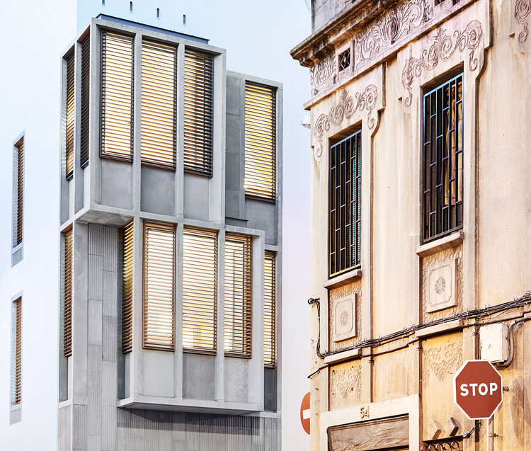 8 Dwellings in Gracia / Raimon Farré Moretó, © José Hévia