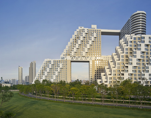 Courtesy of Kerry Properties and Safdie Architects