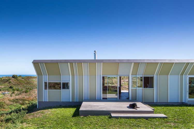 Te Horo Bach / Parsonson Architects, © Paul McCredie