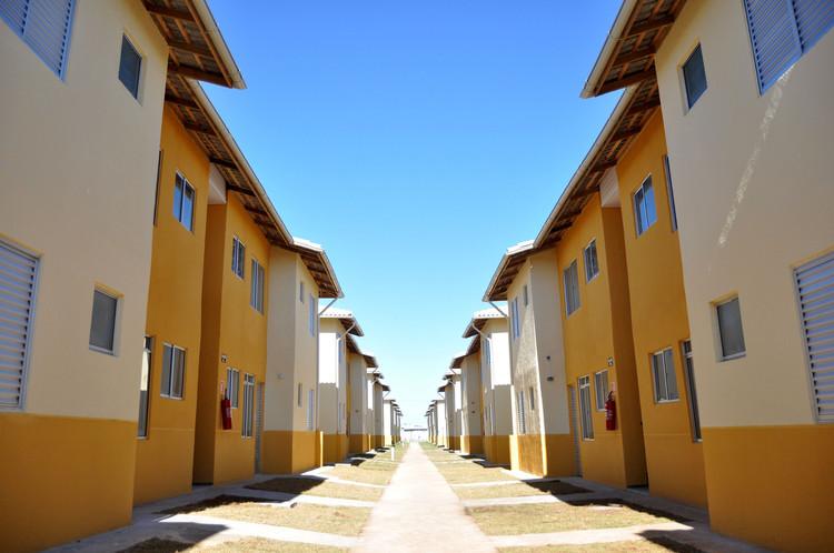 Nabil Bonduki: Sobre a ausência de projetos de habitação social de qualidade, © Prefeitura de Itanhaém, via Flickr. Licença CC BY 2.0