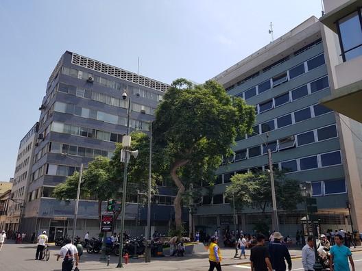 Peruano-Suiza Insurance Company / Teodoro Cron (1955). Image © Nicolás Valencia