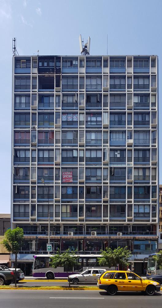 San Reynaldo Building / Enrique Seoane Ros (1954-1956). Image © Nicolás Valencia