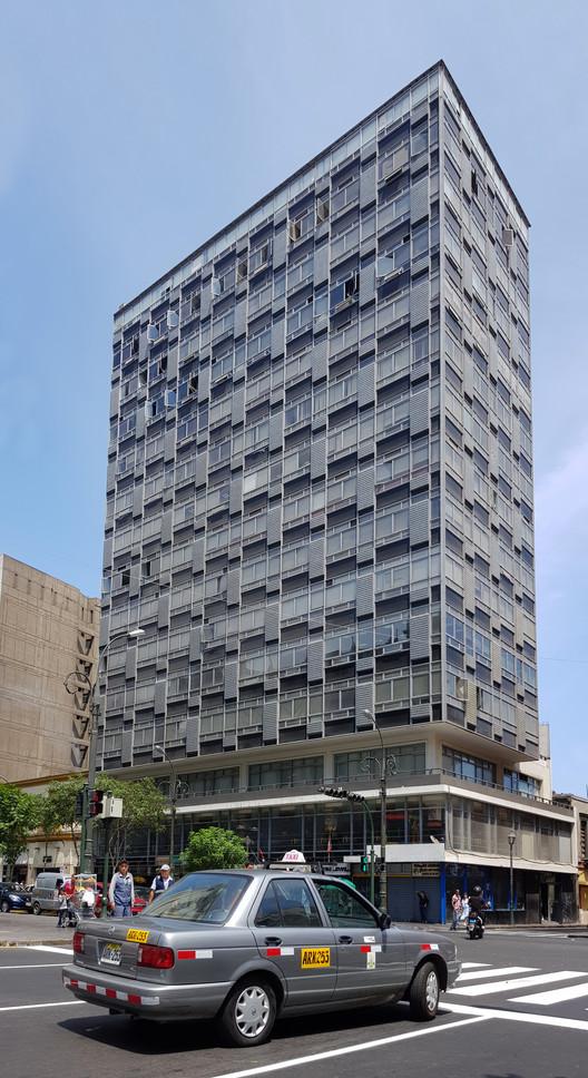 El Sol Insurance Building /  Enrique Seoane Ros (1956-1958). Image © Nicolás Valencia