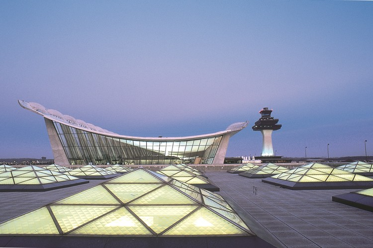 "When it Comes to Building a Better Airport, ""It Never Pays to Use Cheap Materials"", Washington Dulles Internation Airport - Main Terminal Expansion. Image © Rick Latoff"