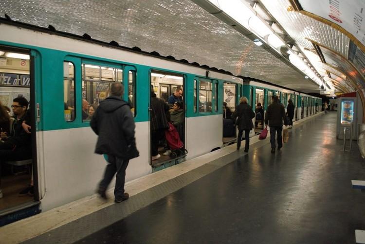 Paris, a primeira metrópole mundial com transporte gratuito?, Proposta da prefeita Anne Hidalgo é tornar o transporte coletivo gratuito na capital francesa até 2020 . Image © Laura Azeredo