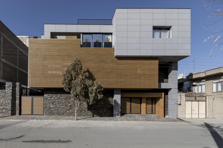 Casa Amini / Shoresh Abed, © Farshid Nasrabadi