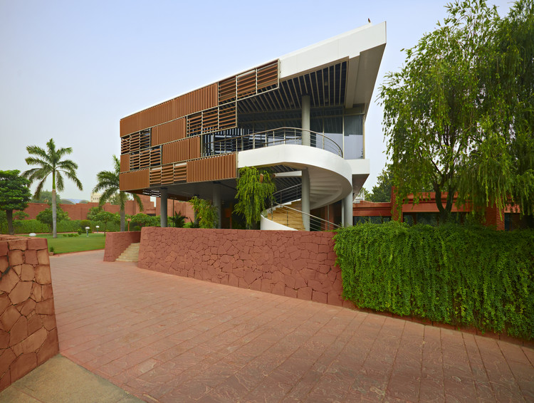 Annex Building of Korean Embassy in India / AA Studio Consulting, © Anwita + Arun