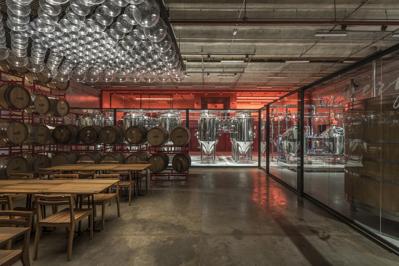 Galer a de prix versailles 2018 conoce los 22 proyectos de arquitectura en tiendas hoteles y - Lino 5 metre de large ...